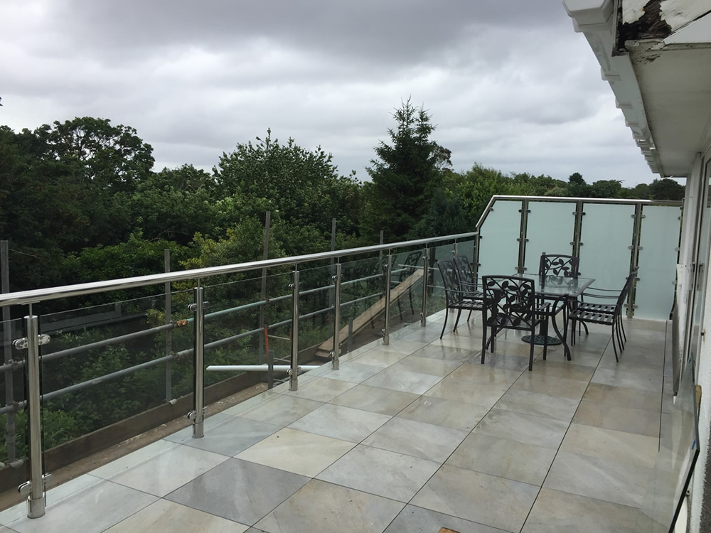 Stainless Steel Handrail with Frosted Glass - Tiverton