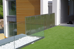 Seamless Glass Bespoke Handrail and Railing