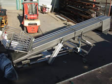 Pneumatic Pivot Lift Screw Conveyor