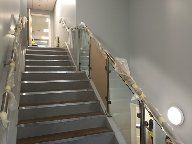 Stainless Steel Handrail with Templated Glass